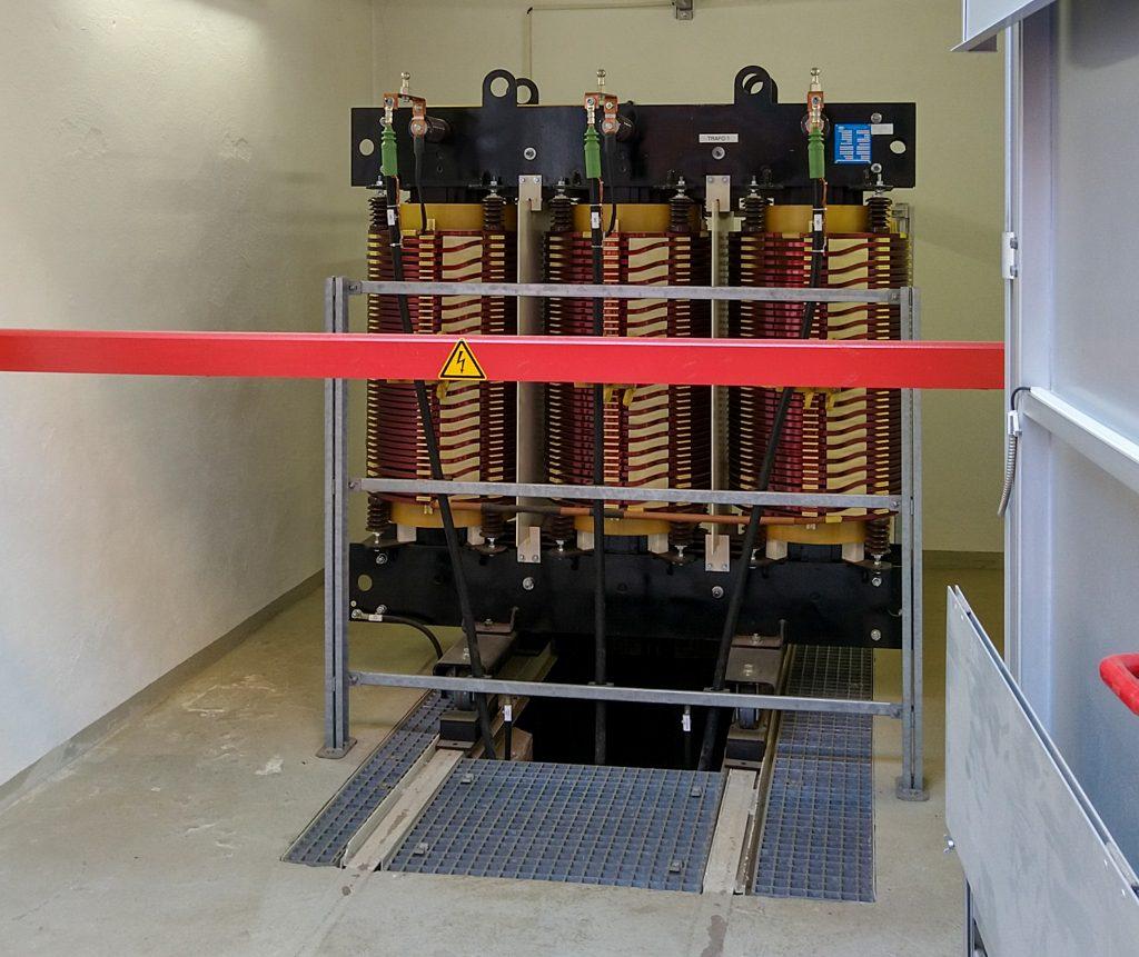 Ein Blick ins Innere des Gleichrichterunterwerks: Übergabetrafo Hochspannung