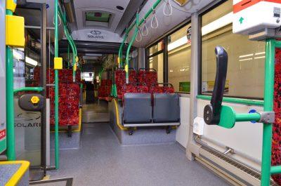 So sauber sieht ein Bus vor der Renigung aus.