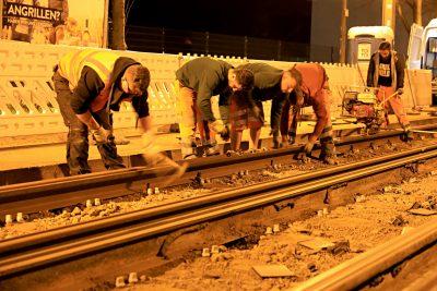 Gleisbauarbeiten bei Nacht (Foto: Peter Gercke)
