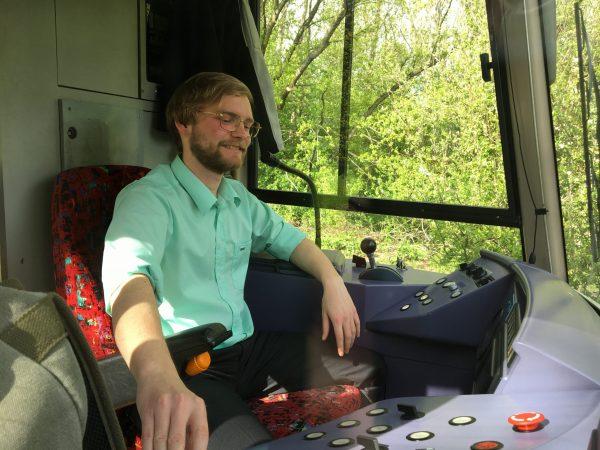 Jan Schmitt ist studentischer Aushilfsfahrer.