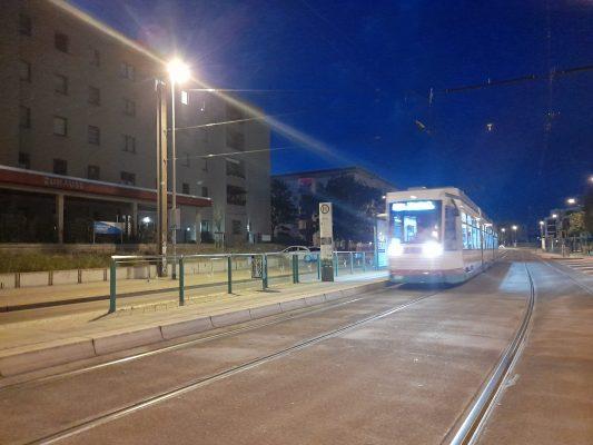"""Die letzte Straßenbahn am """"alten"""" Heumarkt. Aufnahme vom 04.07.2021 (Foto: Florian Lüdtke)"""
